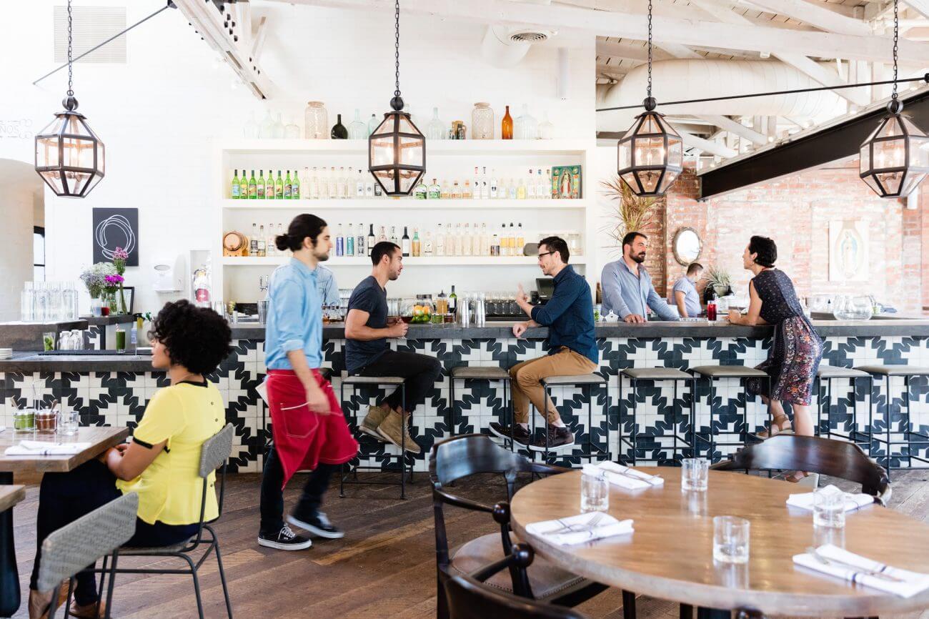 Đào tạo nhân viên về việc phục vụ khách hàng giúp việc kinh doanh nhà hàng tốt hơn